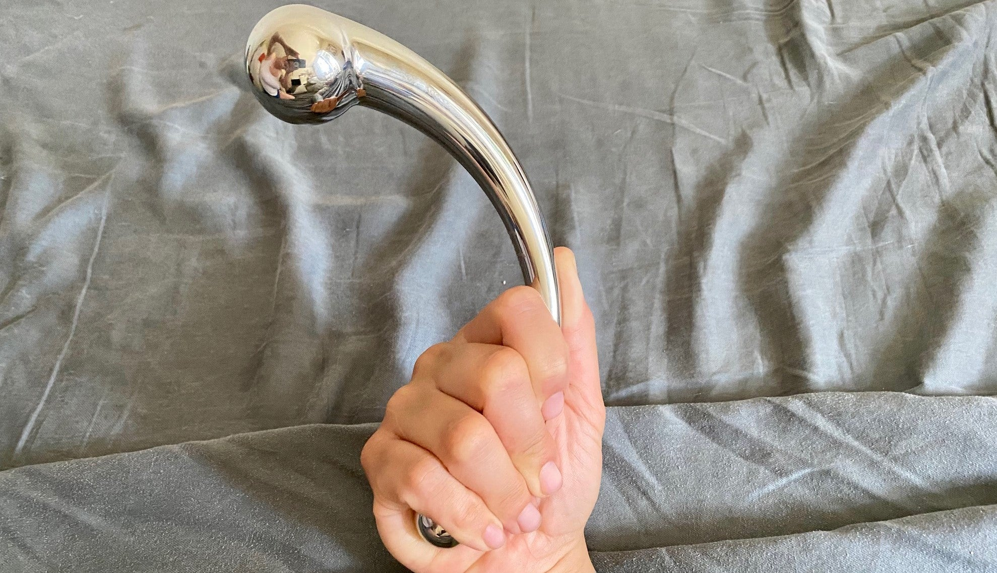 njoy pure wand stainless steel dildo
