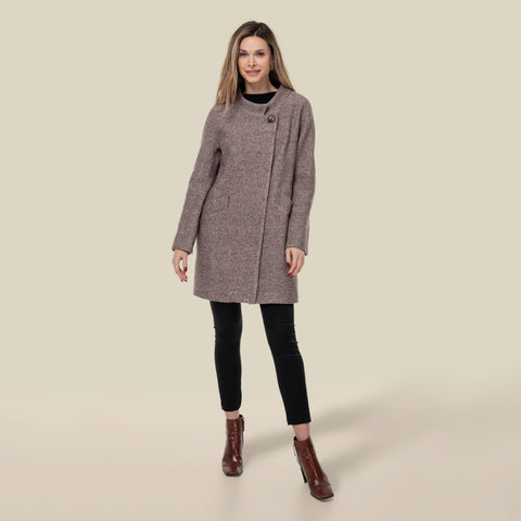 Model wearing the Genevieve in Mauve