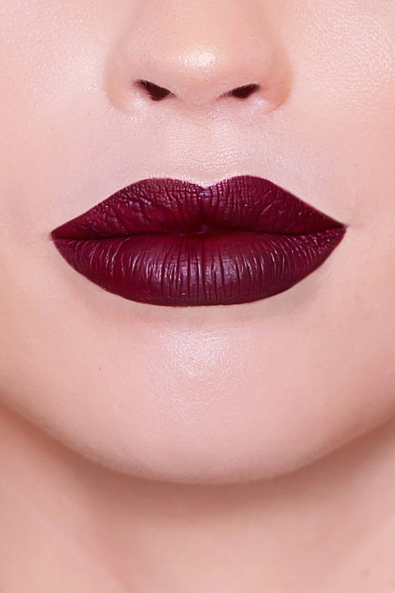 Liquid lipstick - Daddy Issues - DennisMaglic.com