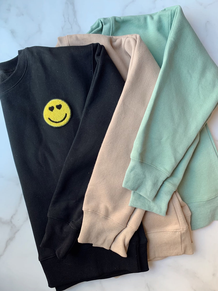 Cate Sweatshirt with Smiley Patch