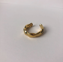 Load image into Gallery viewer, 14k gold ring