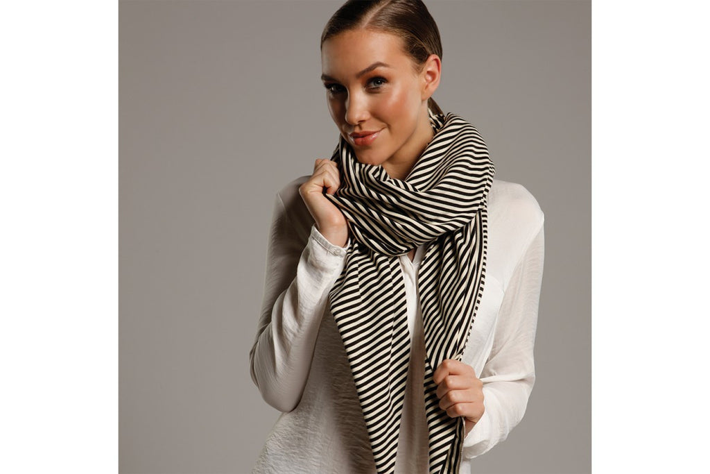 Skyler Scarf Navy and White