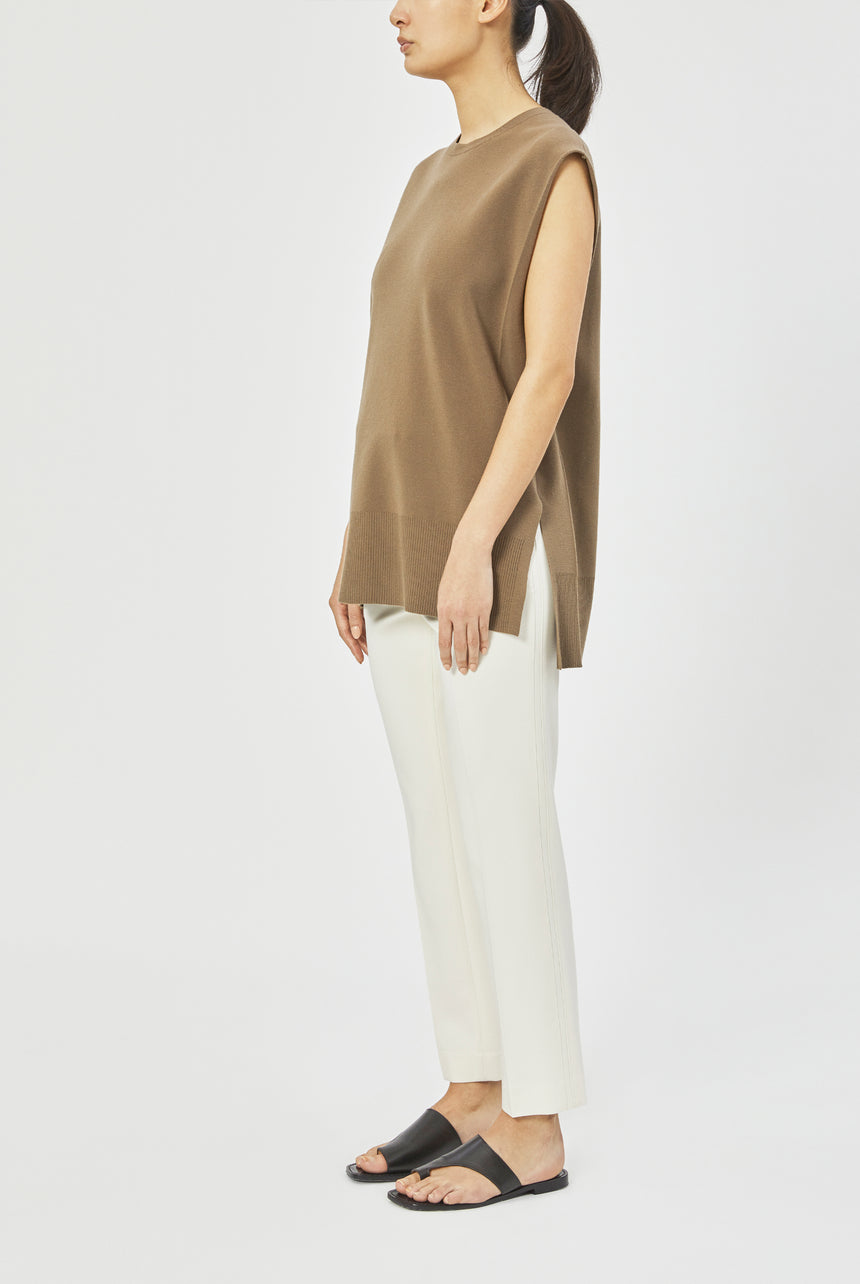 Smooth Puff Sleeveless Knit