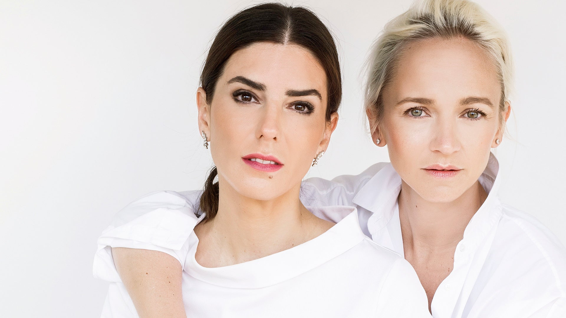 Sophie et Voilà was born from the union of two diametrically opposed and complementary women, basing her whole philosophy on that concept. We are better together.