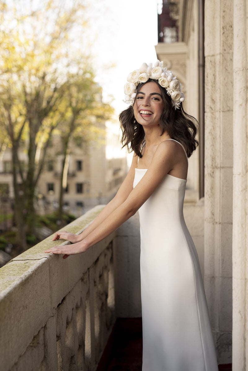 Deidre with Flower crown | Wedding dress | Sophie et Voilà