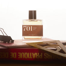Afbeelding in Gallery-weergave laden, Eau de parfum 701: eucalyptus, coriander and cypress 30ML