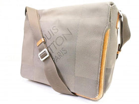 Authentic Pre-owned Louis Vuitton Damier Geant Terre Messager Laptop Messenger Bag M93030 210073