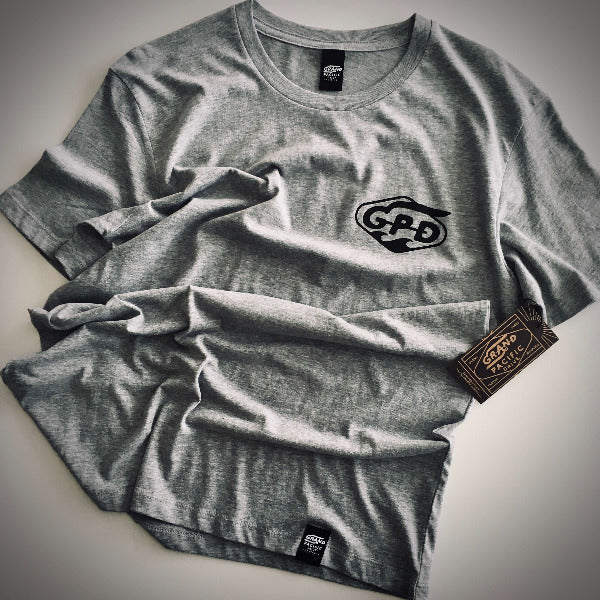 <img source='pic.gif' alt=' grand pacific drive customs classic tee grey crumpled ' />