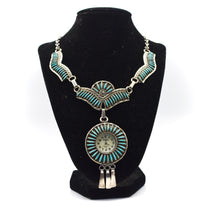 Load image into Gallery viewer, Navajo Jewellery Set (Necklace and Earrings)