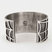Load image into Gallery viewer, Navajo 925 Siver Spider Web Bracelet with Coral centre stone