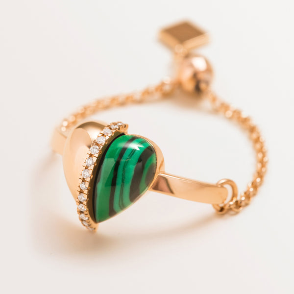 VALENTINE RING IN MALACHITE