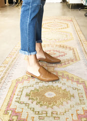 Gaze Mule in Camel