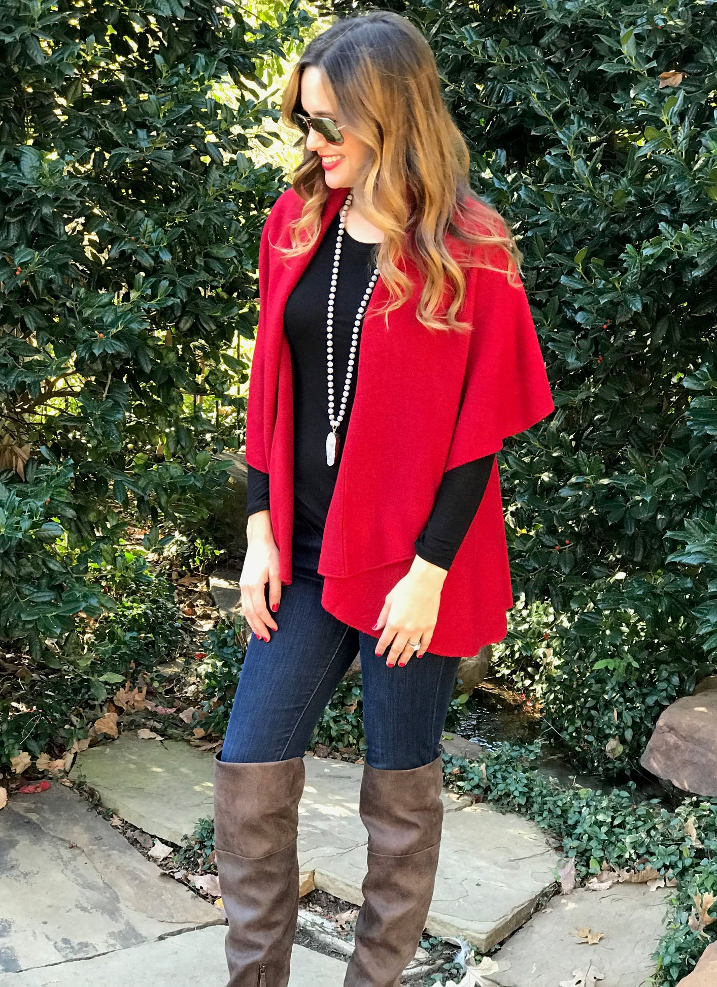 Vince Shawl Vest in Red