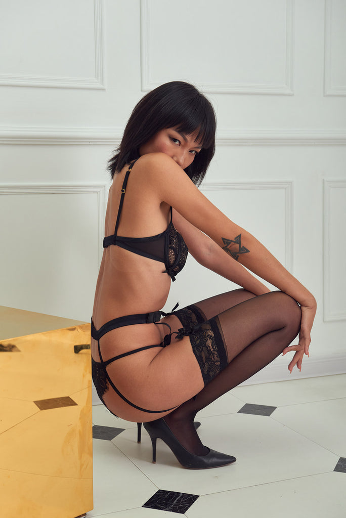 Mystery - Sexy Plan Bowknot Lace Suspender Belt