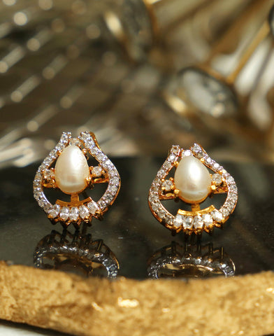 Pearl Shell with Zircons