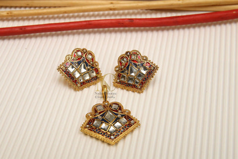 Kundan and Meena Pendant Set