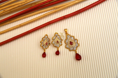 Red pendant set