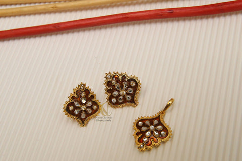 Kundan and Copper Meenakari Pendant Set