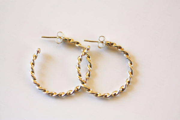 Twisted Silver hoop earrings, Light weight Huggie earrings