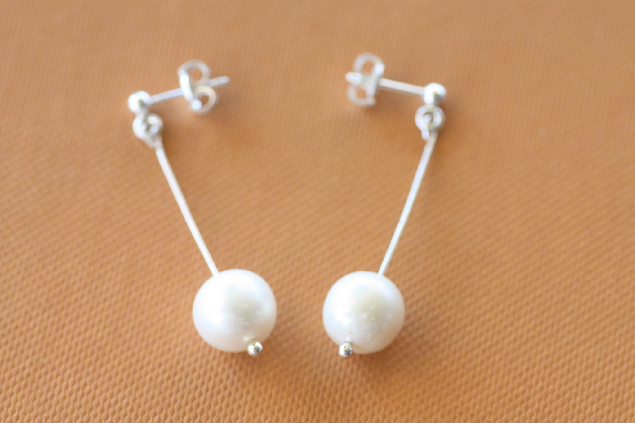 Sterling Silver wire earrings, Fresh water pearl earrings