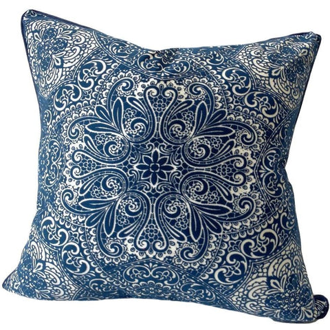 medallion-blue-and-white-pillows