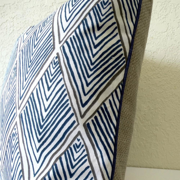 blue-and-white-throw-pillow-designs