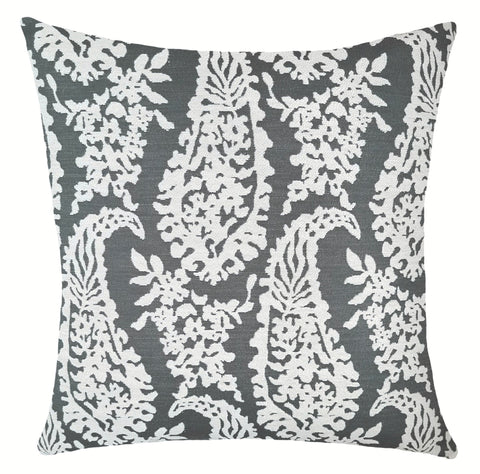 elegant-gray-decorative-pillows