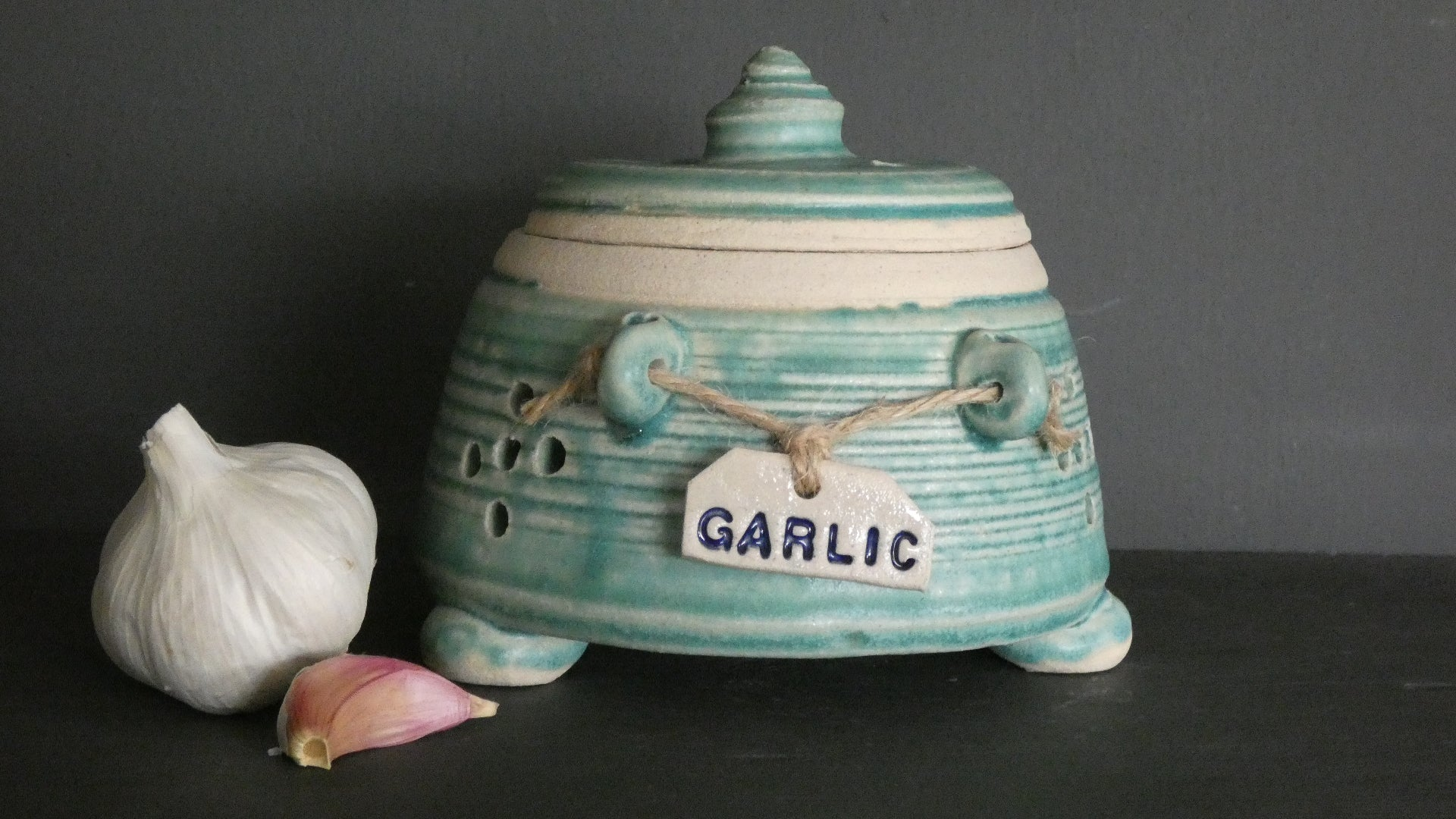 Perry Marsh Turquoise Garlic Pot