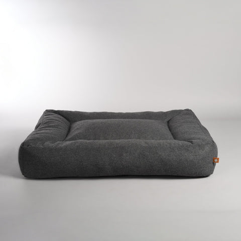 Dog Bed Luxury Dog Bed Oxford Available in 3 colours & 3 Sizes M / DarkGrey Lord Lou - Play Offside