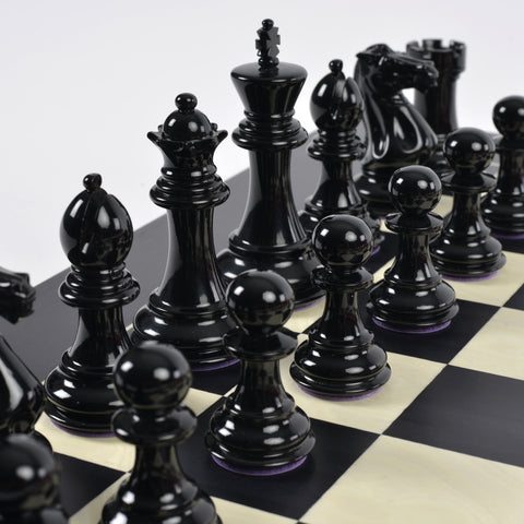 Chess Set Bold Luxury Chess Set with Hand-Carved Wooden Pieces Purling London - Play Offside