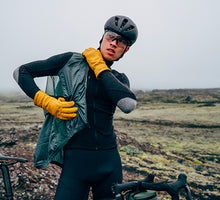 Afbeelding in Gallery-weergave laden, Café du Cycliste Petra Gilet - Mountain Green