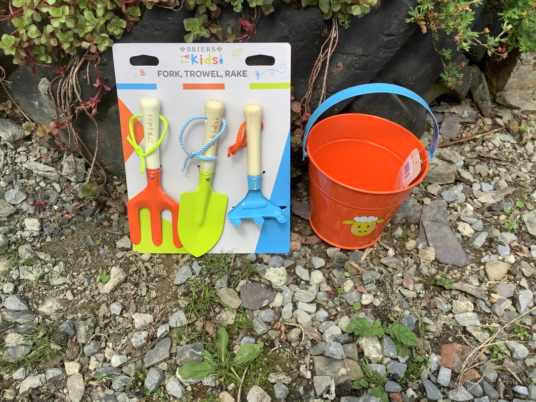 Kids Briers Gardening Set ,fork Rake Trowel And Bucket NEW children's birthday