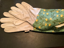 Load image into Gallery viewer, Womens/Ladies Briers Sicilian Lemon Gauntlet Gloves Size 8