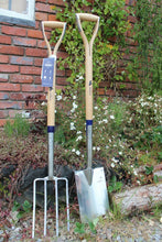 "Load image into Gallery viewer, Bulldog Pedigree Long Handled Digging Spade and Fork Bundle 32""/112cm"