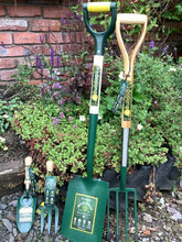 Load image into Gallery viewer, Bulldog Evergreen Spade, Premier Fork YD, Hand Trowel & Fork Pack
