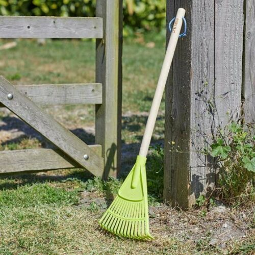 Childrens/Kids Briers Garden Spade, Leaf Rake and Sweeping Brush Set