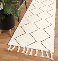 Leilani Diamond Tassel Cream Rug