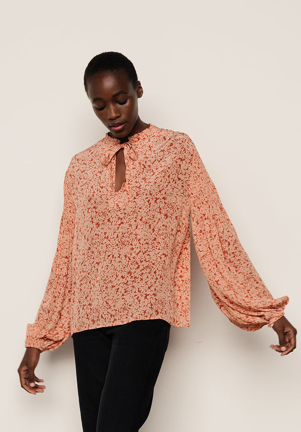 Stevie Top Silhouette Blush