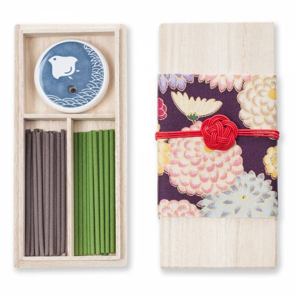 Kousaido Chrysanthemum Organic Japanese Incense Stick Gift Set With Holder