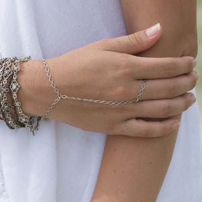 Dainty Hand Chain in silver finish | Modern boho jewelry | Criscara