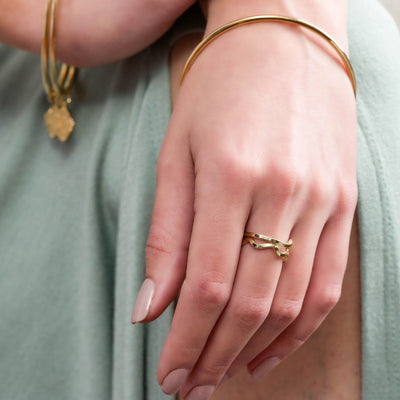 Wavy Stacking Ring in 14k gold finish size 8 | Modern boho jewelry | Criscara
