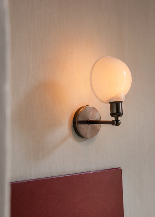 Walker Wall Lamp