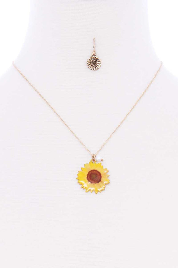 Sunflower Pendant Gold Necklace