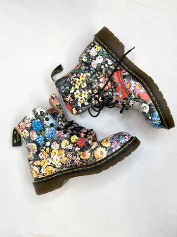 Floral Dr. Martens Made in England / size 8UK