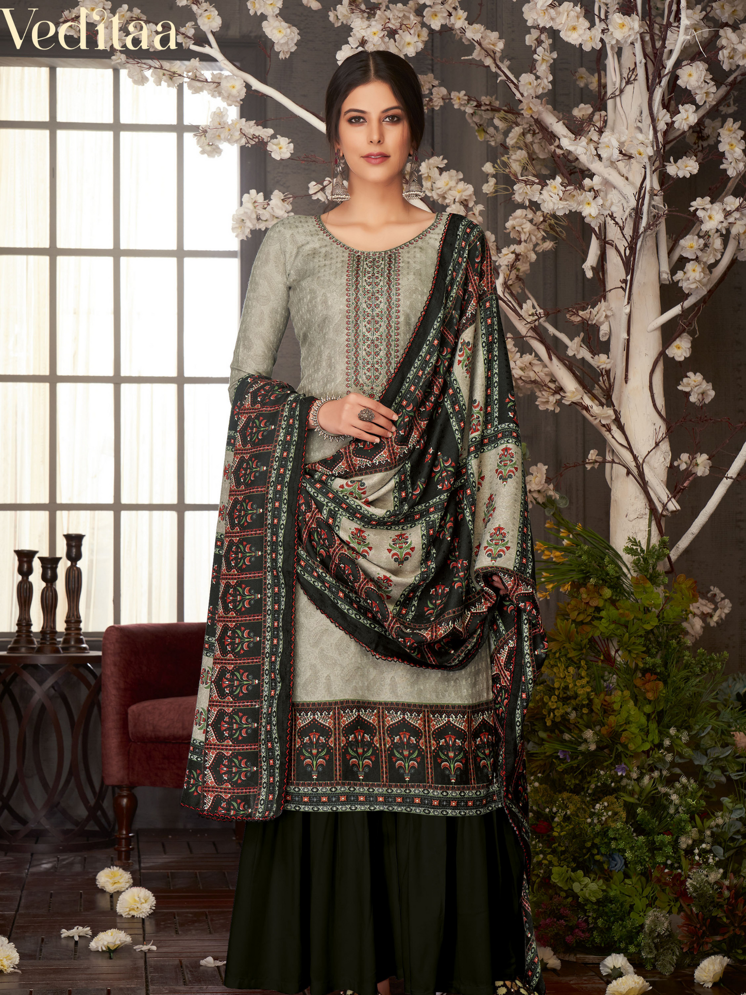 Veditaa Designer Fancy Thread Embroidery Suit - Zasha Clothing
