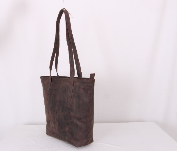 Avenue Hunter Leather Shoulder Bag Brown
