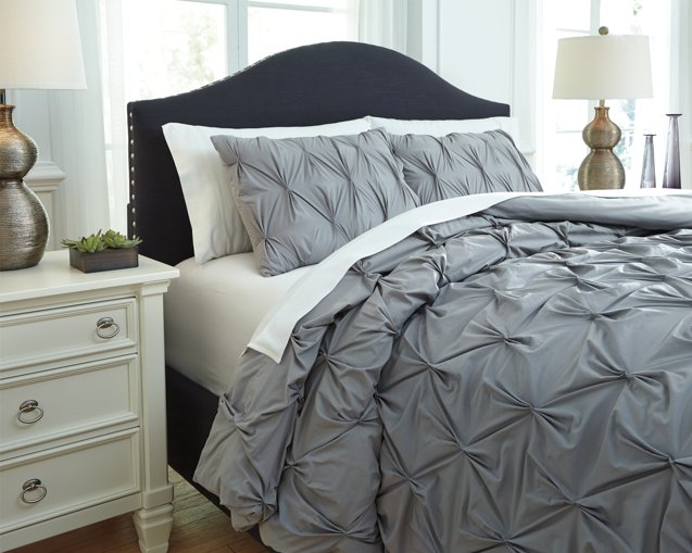 Rimy Signature Design by Ashley Comforter Set King