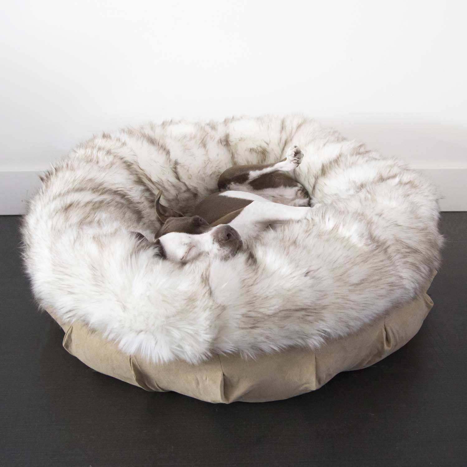 Animals Matter Faux Fur Shag Puff Luxury Dog Bed White Brown Tip