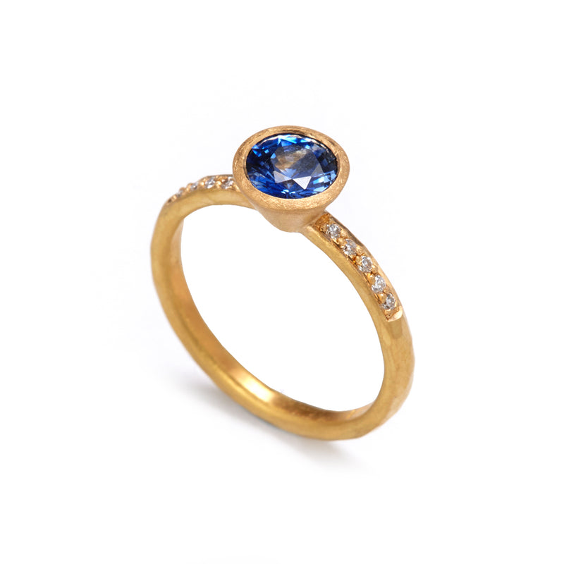 Gold Sapphire Ring with Shoulder Diamonds