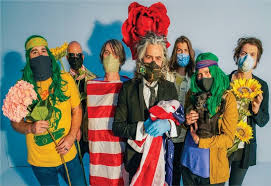 01. FLAMING LIPS - DINOSAURS ON THE MOUNTAIN (VINYL REVOLUTION'S ALBUM OF THE YEAR 2020)